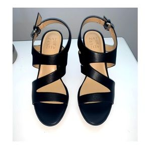 Naturalizer shoes size 7